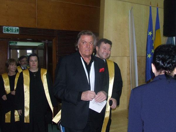 Luni Florin la UVT - Piersic doctor honoris causa DSCF0288