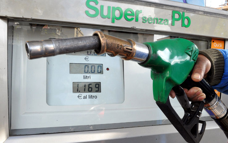 pompa benzina nuovo