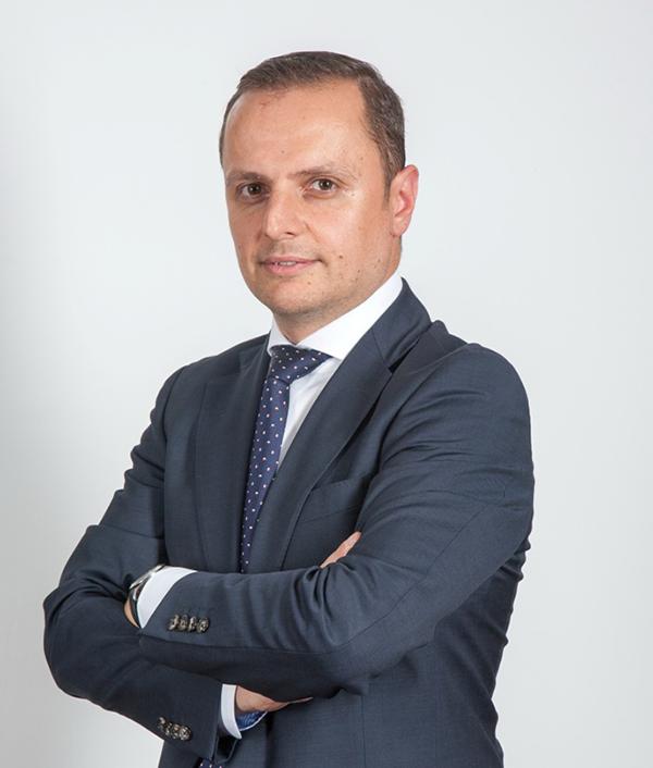 Razvan Pătrunoiu Country Managing Director Accenture in Romania s