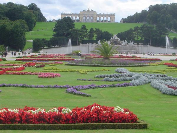 Palatul Schonbrunn din Viena Austria 2