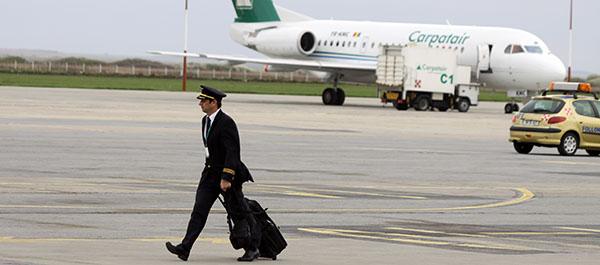 aeroport timisoara autobuz pista terminal non shengen avion pilot imbarcare pasageri carpatair