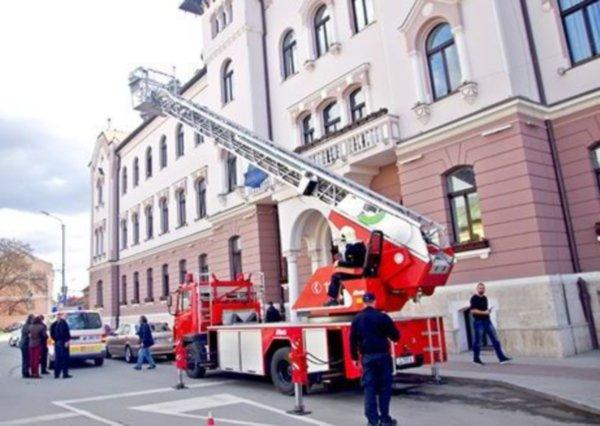 masina pompieri jena